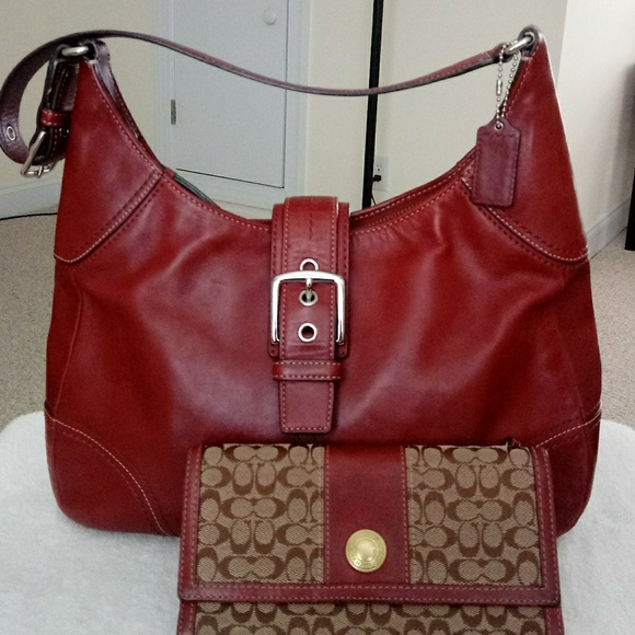 Coach Handbags - Coach Leather Purse and Wallet